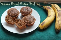 At just 60 calories each, these banana bread protein muffins are a perfect low calorie snack! Protein Cookies, Banana Protein Muffins, Banana Bread Muffins, Healthy Muffins, Banana Bread Recipes, Healthy Sweets, Healthy Baking, Protein Cake, Healthy Breakfasts