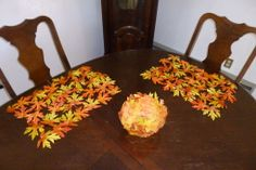 Decorating with Fall Leaves #table_setting #leaf #sewing #Thanksgiving