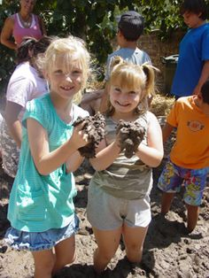 The first Saturday of every month, the Rancho Los Cerritos Historic Site holds FREE workshops for kids 6-10 that include crafts, youth activities, and a tour of the adobe and gardens!