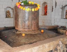 http://hindi.insistpost.com/the-shiv-ling-of-baneshvar-which-break-pride-of-orangjeb/