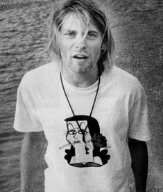 There are so many pics of Kurt on here that I've never seen before!