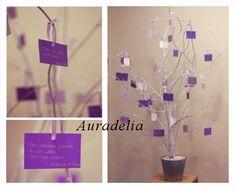 Arbre à voeux décoré en parme et violet