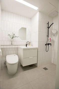 41 Ideas For Bathroom Small Design Apartments Toilets Bathroom Rules, Bathroom Sink Vanity, Bathroom Wall Art, Bathroom Interior, Bathroom Storage Shelves, Small Mirrors, Bathroom Design Small, Apartment Design, Decoration