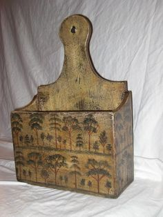 Love the hand painted design! Primitive Furniture, Primitive Antiques, Primitive Country, Primitive Bedroom, Primitive Homes, Primitive Kitchen, Antique Furniture, Painted Boxes, Wooden Boxes
