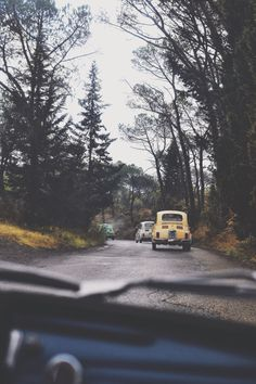 Zipping around the hills of Tuscany with a vintage Fiat 500! www.rosaspinavintage.com