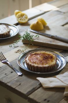 Thyme Lemon Tartlets This sweet specialty need just little bit more effort, because it consists of three parts : Tartlets from Cinnamon Cornmeal Crust and Thyme Lemon Filling.