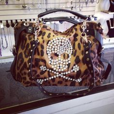 ♥ leopard purse with large white skull