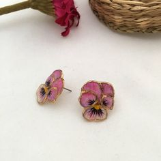 Present for her, Forget me not earrings, Pansy earrings, Pansy flower earrings, Pink pansy earring, Pansy jewelry, Floral statament earrings