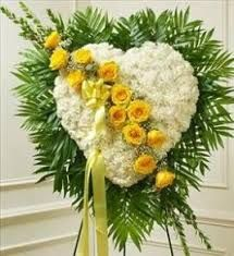 Image result for coronas para funerales
