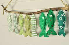 Custom Seven Green Fish – Nursery Wall Decor - Stofftiere Fish Crafts, Diy And Crafts, Crafts For Kids, Arts And Crafts, Decor Crafts, Fabric Crafts, Sewing Crafts, Sewing Projects, Diy Projects