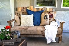 pallet wood sofa via Funky Junk Interiors Inspiring DIY Wood Pallet Projects Pallet Chair, Pallet Furniture, Outdoor Furniture, Painted Furniture, Pallet Seating, Pallet Benches, Pallet Shelves, Office Furniture, Furniture Design