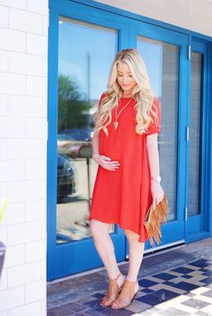 Maternity style// Fun summer maternity dress   A Touch of Pink Blog