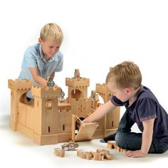 Our magnificent deluxe natural wood castle, complete with 24 knights, is beautifully handcrafted from sustainable rubber wood. Includes: 1 castle, 12 red knights and 12 blue knights.