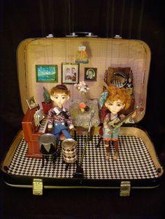 Suitcase (2009) | Theatre of Dolls