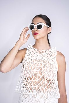 Danit Peleg started working on graduate collection for Fashion Design degree at Shenkar. Danit focused on a creative fashion project to print clothes 3d Fashion, Fashion Details, Fashion Prints, Womens Fashion, 3d Printed Fashion, Impression 3d, Diy 3d Drucker, Moda 3d, Fashion Design Degree
