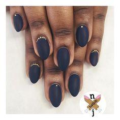 Midnight Mattness for Stephanie | @vetro_usa 87 Hitchcock Blue #nailjob #mattenails
