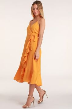 No matter the city your soiree is in, the Lulus Manhattan Moment Orange Ruffled Midi Wrap Dress is your perfect plus one! Cute wrapped midi dress with ruffles. Light Blue Midi Dress, Green Midi Dress, Coral Dress, Orange Dress, Skater Dress, Wrap Dress Midi, Full Midi Skirt, Dresses For Teens, Women's Dresses