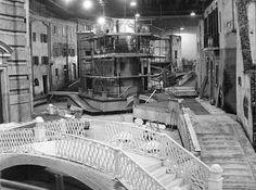 """Il quartiere ricostruito per il film """"Le notti bianche"""" di Luchino Visconti, scenografo Mario Chiari. ROMA,1927 teatro5 CINECITTA'"""