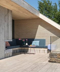 Arkitekt Tommie Wilhelmsen har tegnet en særegen hytte i Søgne - DN. Outdoor Sectional, Sectional Sofa, Outdoor Furniture Sets, Outdoor Decor, Villa, Exterior, Gardening, House, Home Decor