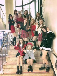 WJSN • COSMIC GIRLS Christmas 2016 ❤ Kpop Girl Groups, Kpop Girls, Dark Rose, Wjsn Luda, Kim Hyun, Cosmic Girls, Cute Girl Face, K Idol, I Love Girls