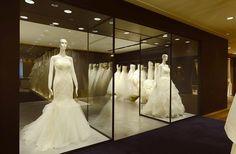 THE TREAT DRESSING OSAKA VERA WANG BRIDE Shop in shop