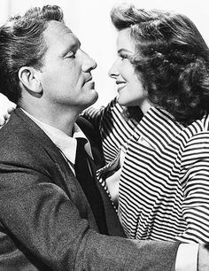 Katharine Hepburn and Spencer Tracy - Throwback Photos of Iconic Hollywood Couples - Photos Hollywood Couples, Hollywood Actor, Golden Age Of Hollywood, Celebrity Couples, Hollywood Stars, Classic Hollywood, Celebrity News, Hollywood Actresses, Movie Couples