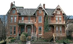 Toronto's Top 10 : Neighborhoods - Cabbagetown    Settled in the 1840s by hardscrabble Irish immigrants who grew cabbages in their front gardens to help make ends meet, this area east of Sherbourne St between Wellesley St E and Gerrard St E is today almost completely gentrified.