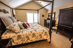 Liking the furniture in this bedroom design at the Sea Pines ranch home community in Foley, AL. Remodeling Mobile Homes, Home Remodeling, Mater Bedroom, Home Channel, Home Hacks, Beautiful Bedrooms, Dream Bedroom, Sweet Home, House Design