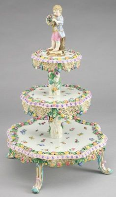 Meissen Porcelain Manufactory (Germany) —   Three Tier Cake   (471×800)