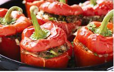 Läckra ugnsbakade paprikor med örtkryddad köttfärsfyllning.