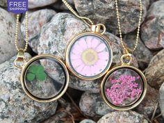 LivingSocial Shop: Vintage Framed Flower Pendant Necklace