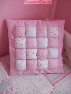Pequeños Gigantes: Almohadones Bubble Blanket, Bubble Quilt, Patchwork Cushion, Quilted Pillow, Puffy Quilt, Baby Quilt Patterns, Baby Pillows, Rag Quilt, Baby Crafts