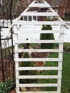 trellis - a frame white Outdoor Crafts, Outdoor Projects, Garden Projects, Outdoor Ideas, Garden Ideas, Garden Gates, Garden Art, Arbors Trellis, Trellis Ideas