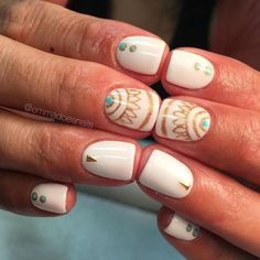 Summer nail art is a final touch to your bright image. Need some inspiration for your next manicure? These nail art designs are collected especially for you. Easy Nails, Simple Nails, Bright Summer Nails, Summer Toenails, Nail Summer, White Summer Nails, Bright Nails, Nailed It, Tribal Nails