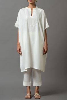 Simple Kurti Designs, Kurti Neck Designs, Dress Indian Style, Indian Wear, Ethnic Fashion, Indian Fashion, Trendy Summer Outfits, Summer Dresses, Kurta Patterns