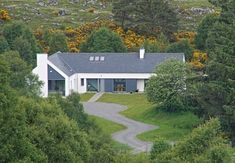 An 'L' shaped Passivhaus and the specific challenges involved.
