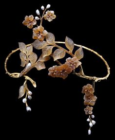 """knitmeapony: """" dr-ollipop: """" pearlsark: """" One-of-a-kind piece: A Very special Art Nouveau tiara, circa with textured gold branches, carved horn leaves and apple blossoms, collet-set diamond. Bijoux Art Nouveau, Art Nouveau Jewelry, Jewelry Art, Antique Jewelry, Vintage Jewelry, Jewelry Design, Gold Jewelry, Jewelry Stand, Ring Armband"""