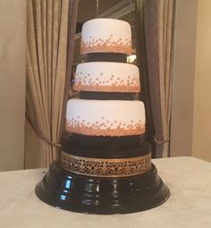 Over 25 different cake stands available to hire / rent.  Ranelagh, Dublin, Ireland.   https://www.thecakelabbakery.com/dublin-cake-stands-to-hire-rent   The Cake Lab Bakery, Ranelagh, Dublin, Ireland. Artisan Baking Studio.