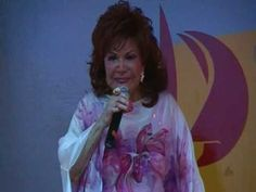 Connie Francis Sings Where the Boys Are at the Film's Anniversary on the Beach Music Lyrics, Music Songs, David Nelson, Connie Francis, Fort Lauderdale Beach, Vintage Videos, Rare Videos, The Mike, 60s Music