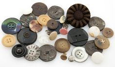DigitaltMuseum - Knapp Dishes, Button, Plate, Tableware, Cutlery, Dish, Buttons, Knot, Kitchen Utensils