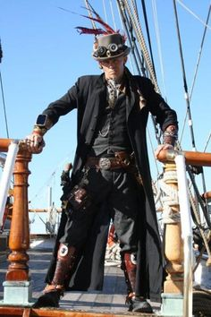 Men's Victorian and Steampunk Clothing