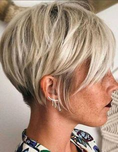 Hair Cuts If you are a self-respecting woman that wants to cut her hair short, you should check out the pixie cuts we prepared for you. Don't pass by . Popular Short Hairstyles, Short Bob Hairstyles, Cool Hairstyles, Hairstyle Ideas, Bridal Hairstyle, Hairstyles Haircuts, Thin Hair Haircuts, Cute Short Haircuts, Short Ladies Hairstyles