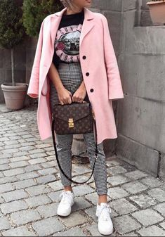 Spring Outfit, Pink Coat, LV Bag
