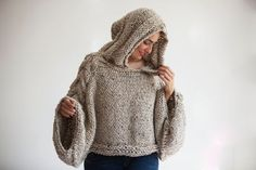 Tweed Beige Angel Sweater Capalet con felpa con cappuccio - Over Size Plus Size Tweed Beige Cable Knit di Afra Tweed, Knitwear Fashion, Knit Fashion, Sweater Knitting Patterns, Knit Patterns, Hand Crochet, Knit Crochet, Thick Sweaters, Weather Wear