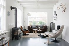 Homes With Heart: Natural Nordic Home Tour from Holly Becker Living Room Grey, Living Room Modern, Home And Living, Living Spaces, Nordic Home, Scandinavian Home, Beautiful Living Rooms, Beautiful Interiors, Room Inspiration