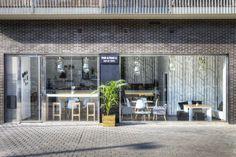 This & That co., L'Hospitalet de Llobregat: Consulta 77 opiniones sobre This & That co. con puntuación 4,5 de 5 y clasificado en TripAdvisor N.°14 de 154 restaurantes en L'Hospitalet de Llobregat.