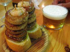 Una cervecitas y una mini hamburguesas