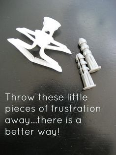 Laura--ask for self sealing drywall anchors at the hardware store.How to combat drywall anchor frustrations. Throw away the cheap ones that come with your wall hangings and do this easy method. It works! Diy Projects To Try, Home Projects, Drywall Installation, Ideas Prácticas, Diy Home Repair, Home Repairs, Reno, Do It Yourself Home, Diy Home Improvement