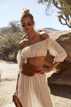 45 Impressive summer outfits that will save your life completely making you look beautiful, trendy and always ready to impress. Boho Chic, Bohemian Style, Bohemian Fashion, Boho Outfits, Cute Outfits, Beach Outfits, Summer Outfits, Beach Attire, Older Women Fashion