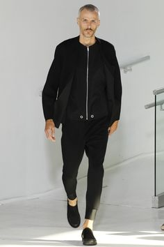 Hoolywood Spring 2017 Menswear Fashion Show Black Wardrobe, Fashion Show, Mens Fashion, Runway Fashion, Men Street, Streetwear, Mode Style, Men Looks, Fashion Forward